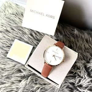 NWT authentic MK leather strap watch gold brown